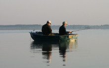 Ловля судака с лодки в отвес