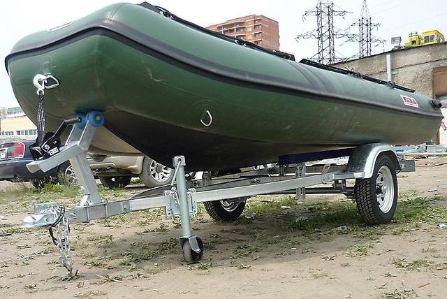 Прицеп с надувной лодкой