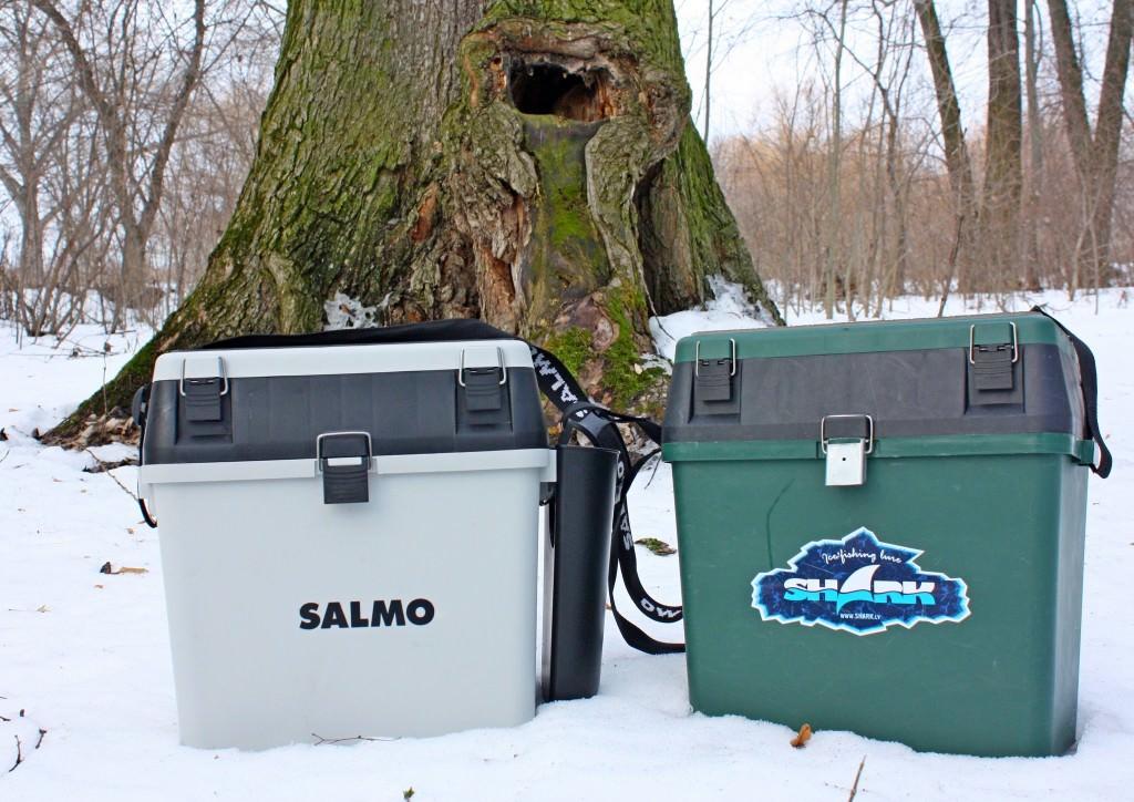 Два брендовых ящика для рыбалки