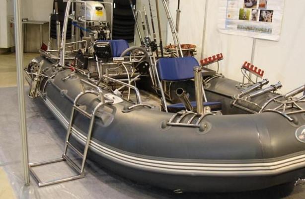 Лодка ПВХ на ремонте