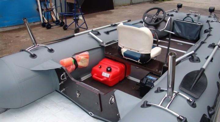 Лодка с сиденьем