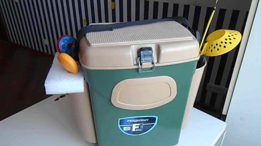 Зеленый ящик для рыбалки