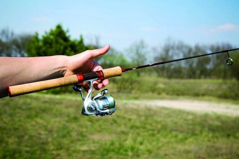 Как ловить судака на отводной поводок